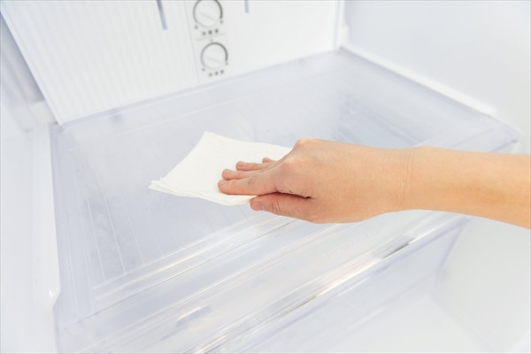 夏の掃除:冷蔵庫の水拭きはNG!