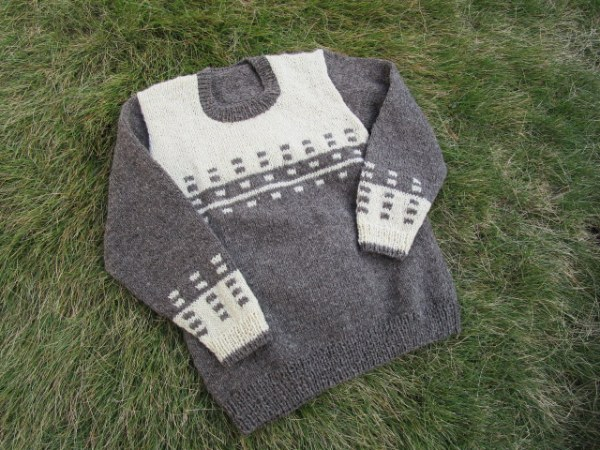 タリンの毛糸で編んだセーター