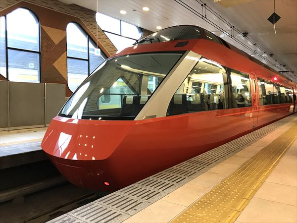 新型ロマンスカーGSE(70000形)