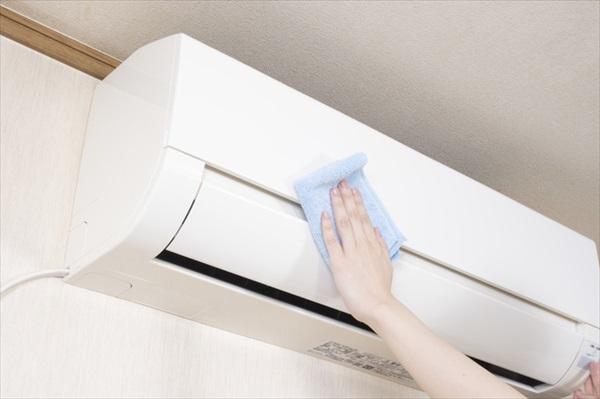 自分でできるエアコン掃除!必要な準備・掃除の方法