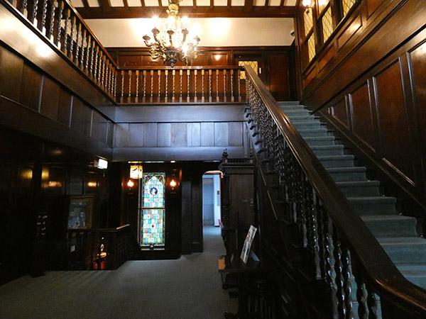 アサヒビール大山崎山荘の内装