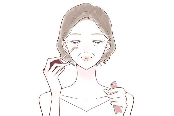 まつ毛美容液を使うイメージ