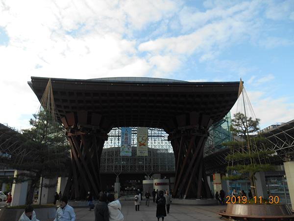 金沢駅のシンボル 鼓門