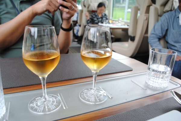 キリッと冷えた甘いデザートワイン