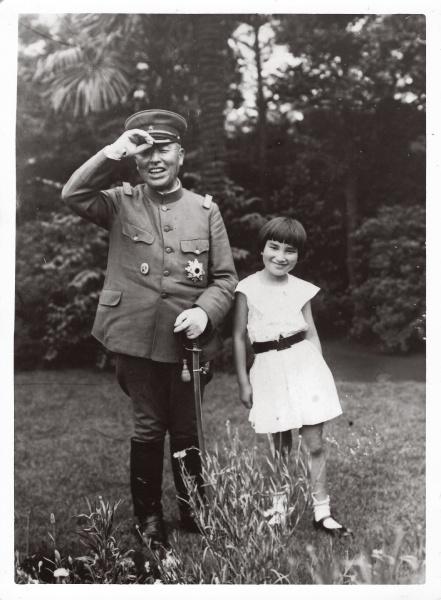 父・錠太郎さんは、遅くに生まれた渡辺和子さんを「この娘とは長く一緒にいられないから」と、兄弟がひがむほどにかわいがっていたそうです