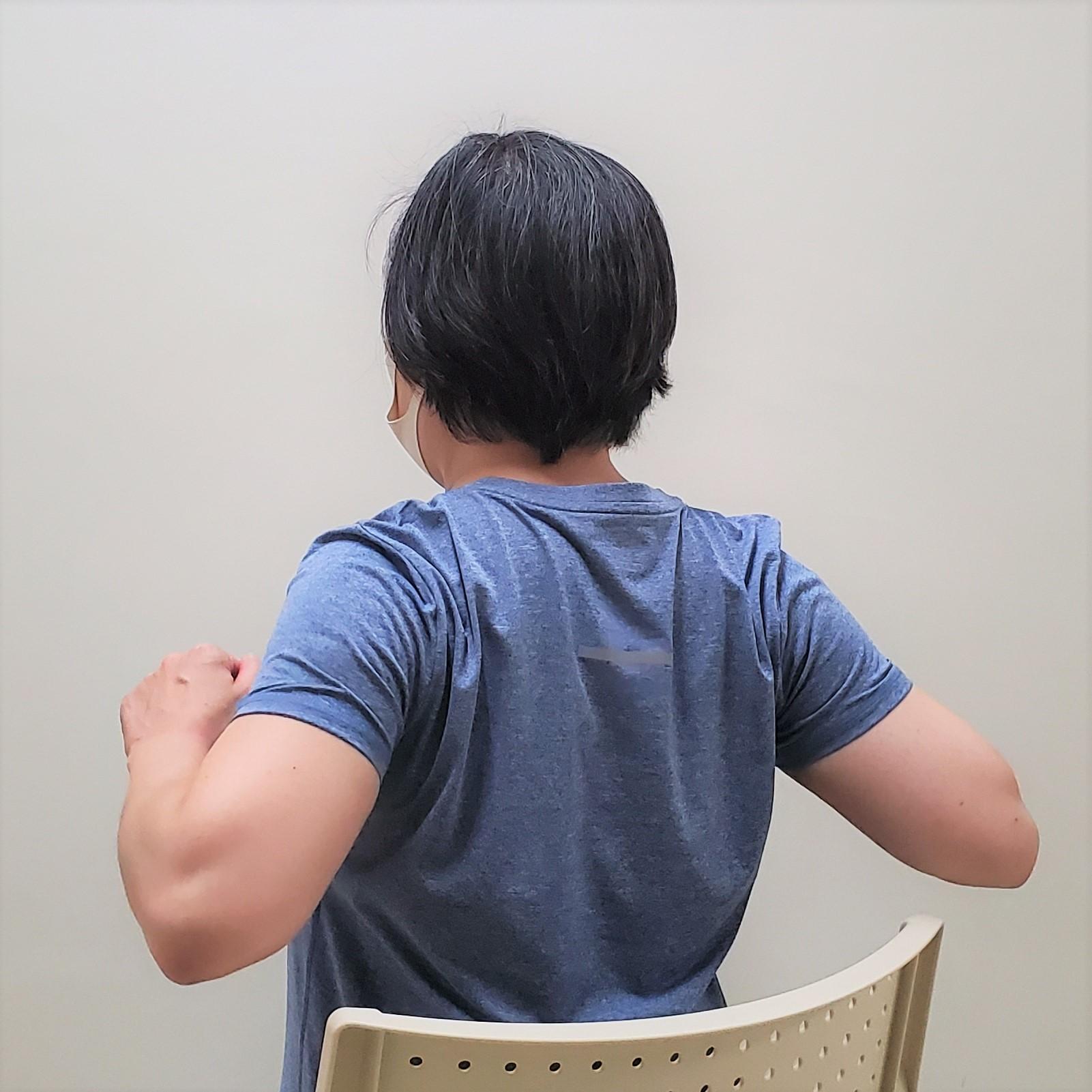 肩甲骨を正しい位置にする筋トレ3