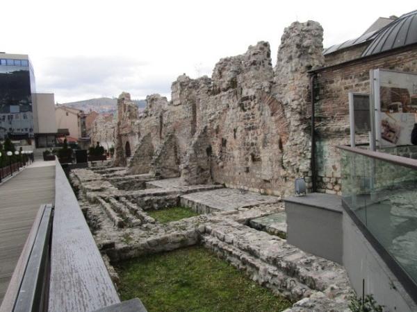 ローマ時代の遺跡も保存されている