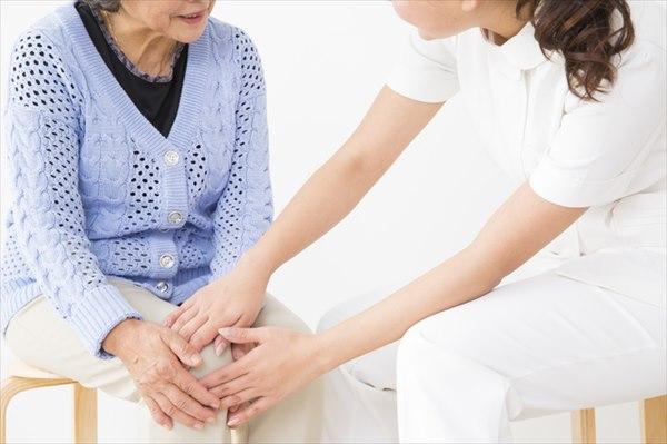 膝が痛い原因2:関節リウマチ